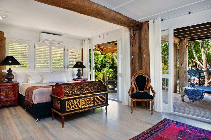 Sleep in a beautiful King bedroom, 22 McAnally Drive Sunshine Beach