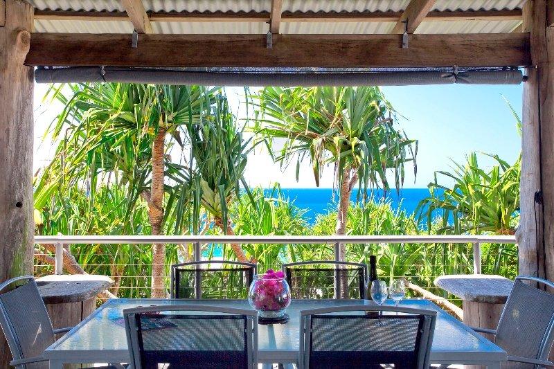 Alfresco dining overlooking the ocean, 22 McAnally Drive Sunshine Beach