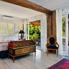 Sleep in a beautiful King bedroom, 22 McAnally Drive Sunshine Beach
