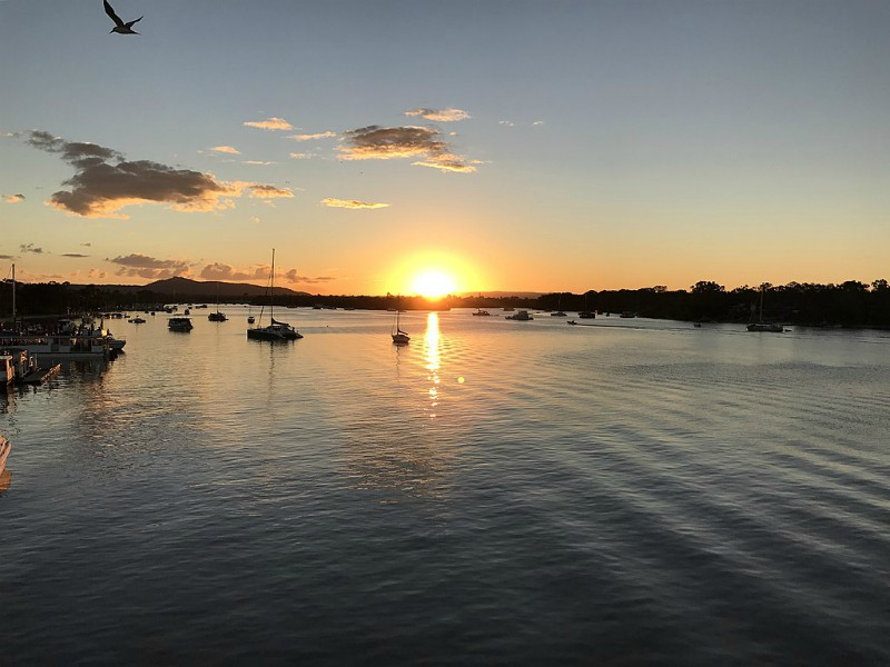 Sunset over Noosa River_Balinese Beach House_Wikimedia